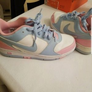 Womens Size 7 Nike Baby Blue and Pink Sneakers